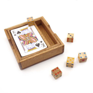 Wooden card and dice set - Earth Toys
