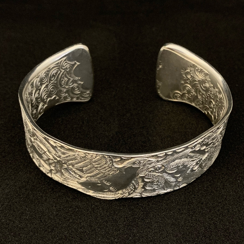 Malcolm Appleby Jewellery, Sparrow and Holly open bangle