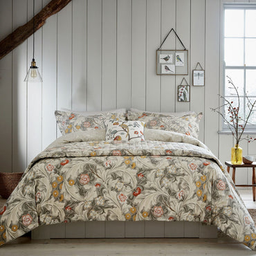 Morris & Co Leicester Duvet Set | Taylors on the High Street