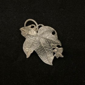Malcolm Appleby Ivy Pendant | Taylors on the High Street