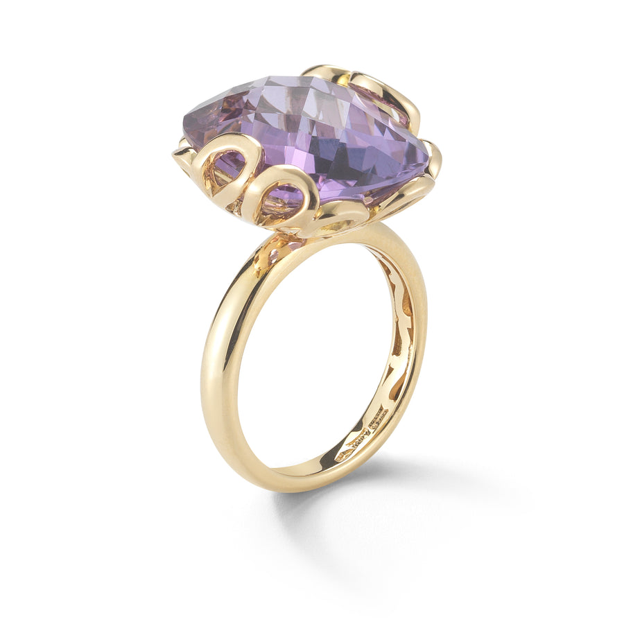 Sea Leaf ring in 18K yellow gold with amethyst