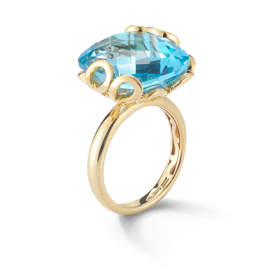 Sea Leaf ring 18K yellow gold and blue topaz