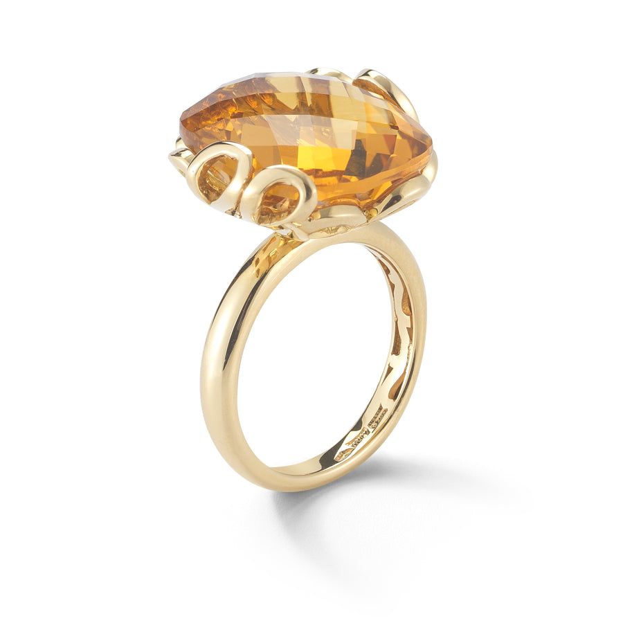 Sea Leaf ring in 18K yellow gold with citrine