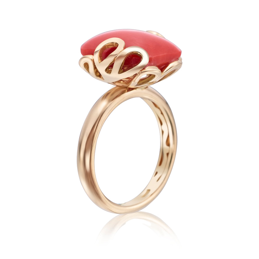 Sea Leaf ring in 18K yellow gold with coral