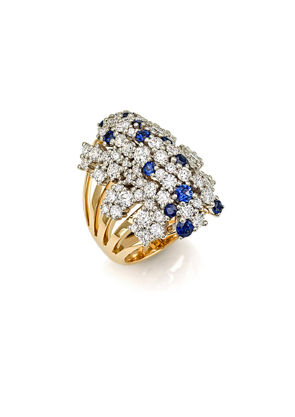 Ring 18K yellow gold with fvs1 diamonds & blue sapphires large cluster on top