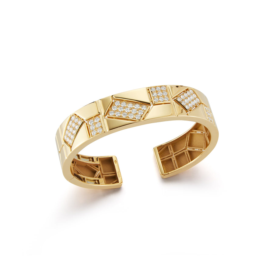 Baia medium cuff in 18K yellow gold with 6 elements of white pave diamonds