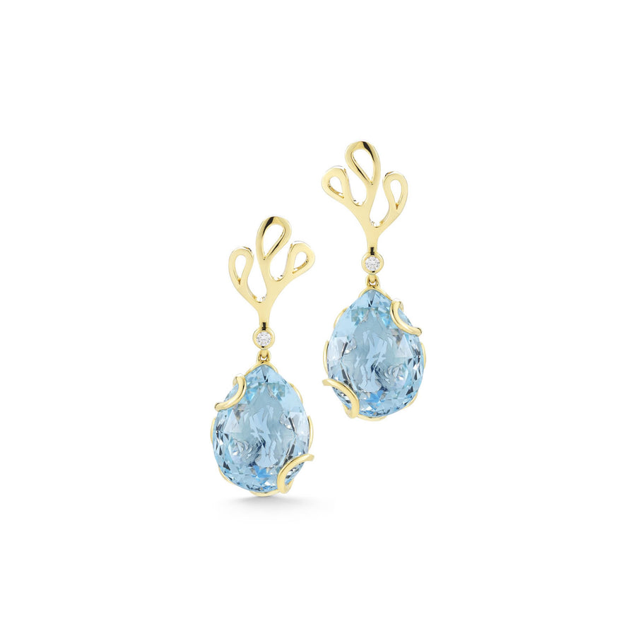Sea Leaf motif clasp in yellow gold with diamond stud and blue topaz