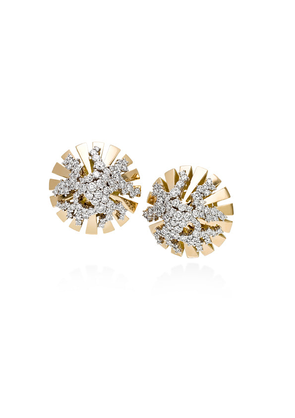 Large dome shaped earring 18K yellow gold with fvs1 diamonds