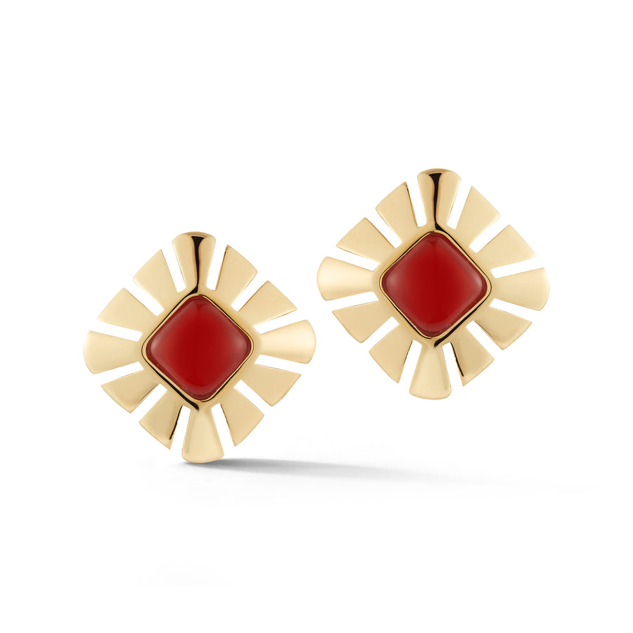 Ventaglio earrings in 18K yellow gold with carnelian center stone