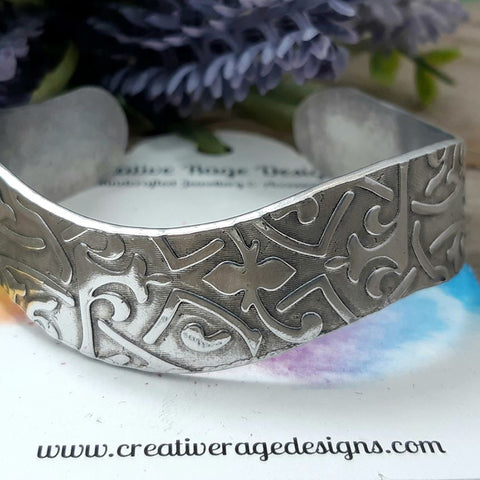Wavy Cuff with Celtic Pattern