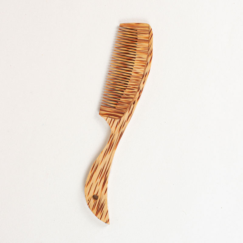 Sustainable coconut wood comb