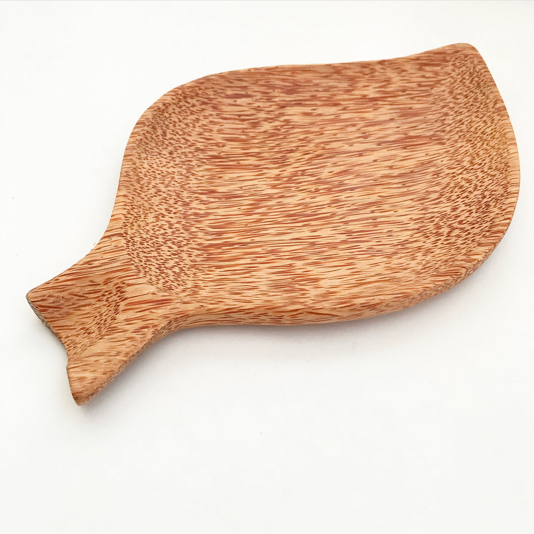 Natural coconut wood leaf shaped plate