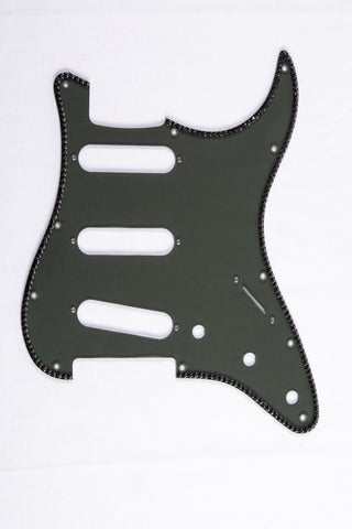 Single-row crystal pickguard for Strat®