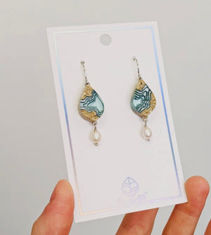 Bay Earrings.