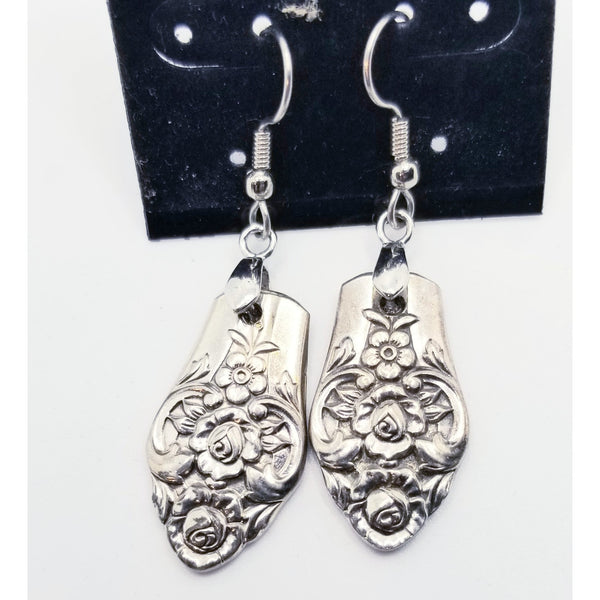 Precious silver earrings