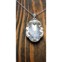 Shell necklace with pearl
