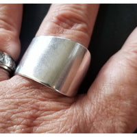 Silver  band ring