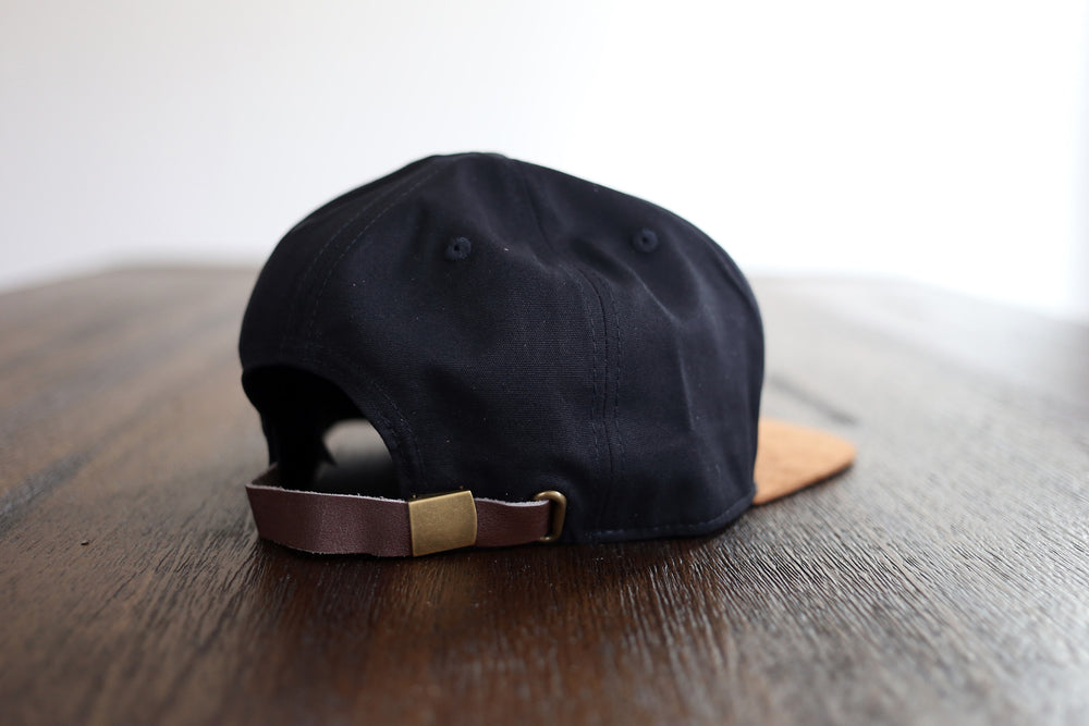 Load image into Gallery viewer, THE BLACK STRAPBACK