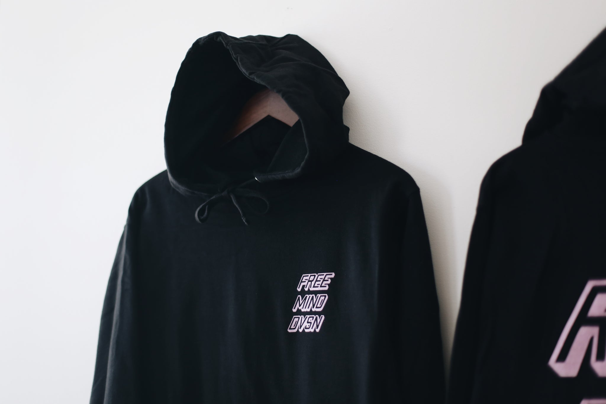 THE STANDARD ISSUE HOODIE (BLACK)