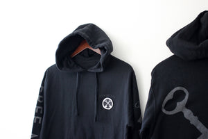 Load image into Gallery viewer, THE REFLECTIVE PULLOVER HOODIE (BLACK)