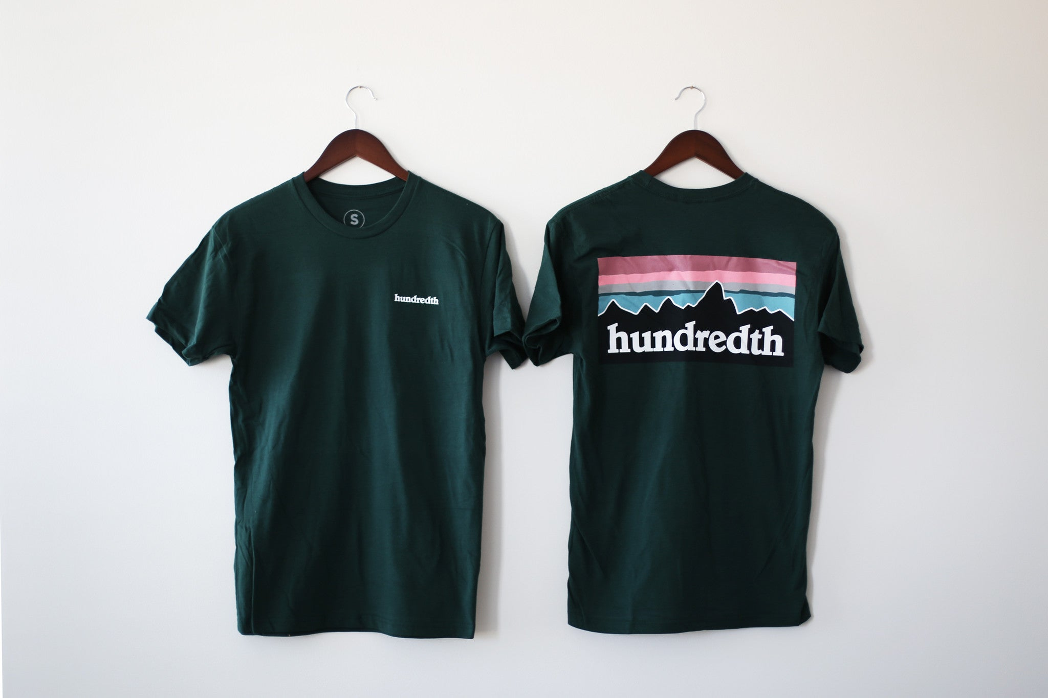 THE MOUNTAIN TEE (FOREST)
