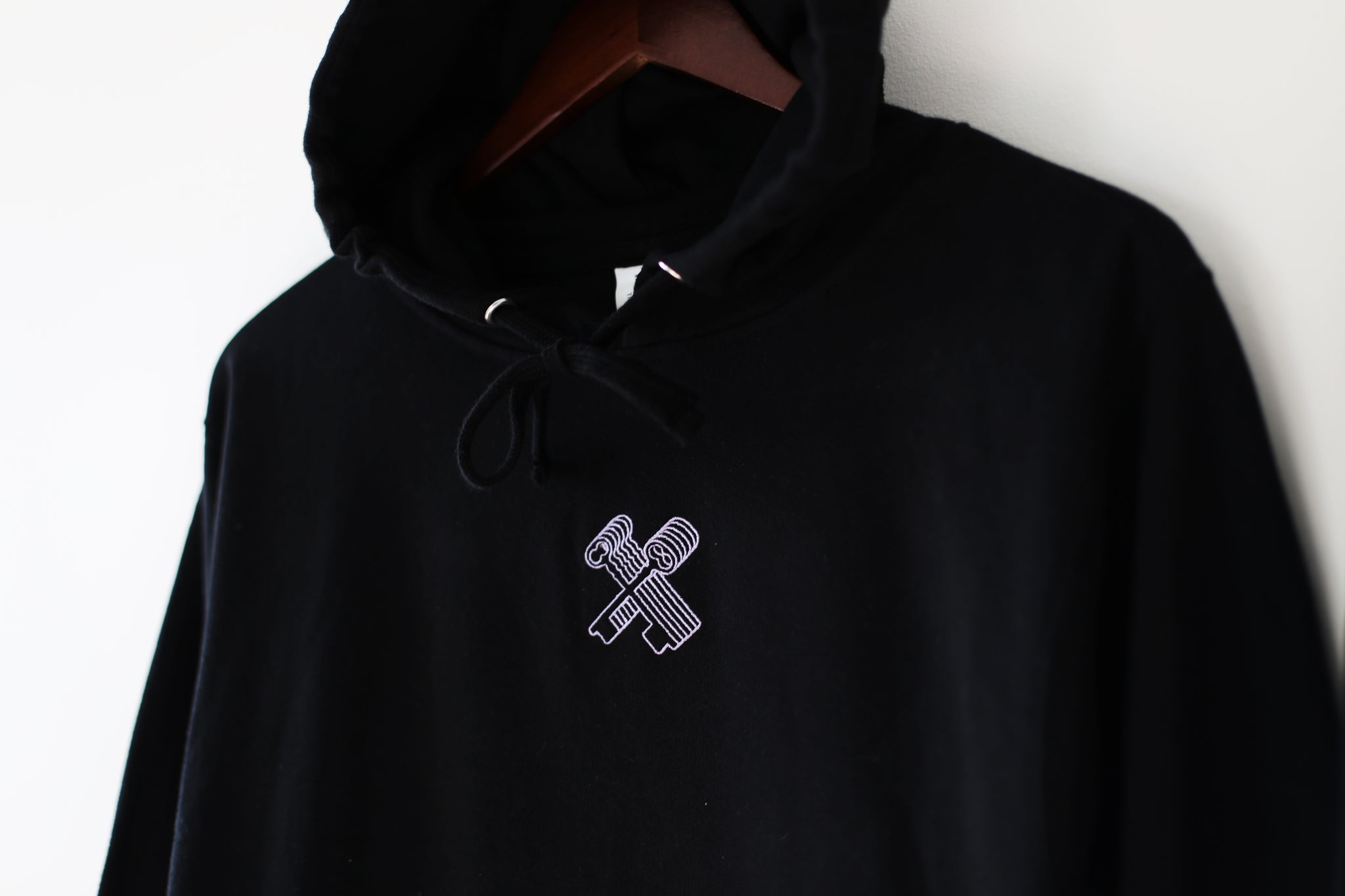 THE RARE TOUR EMBROIDERED HOODIE (BLACK)