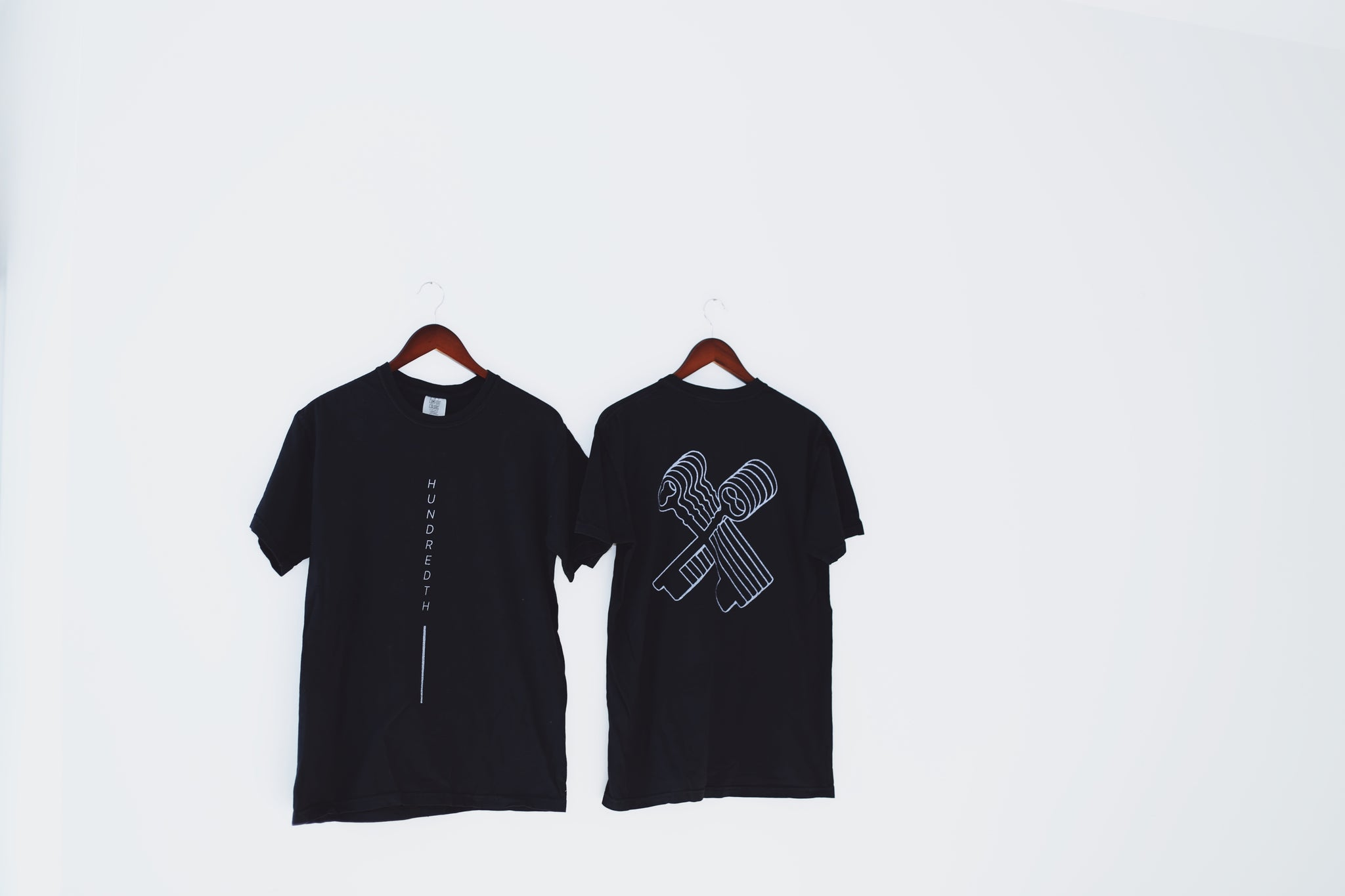 THE REFLECTION TEE (BLACK)