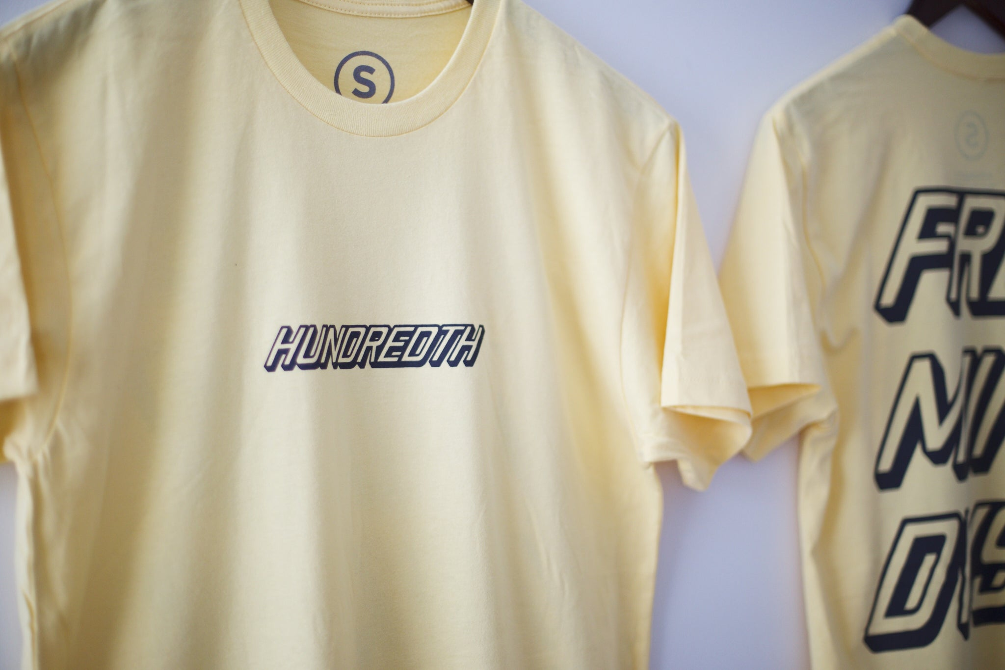 THE RETRO TEE (BANANA)