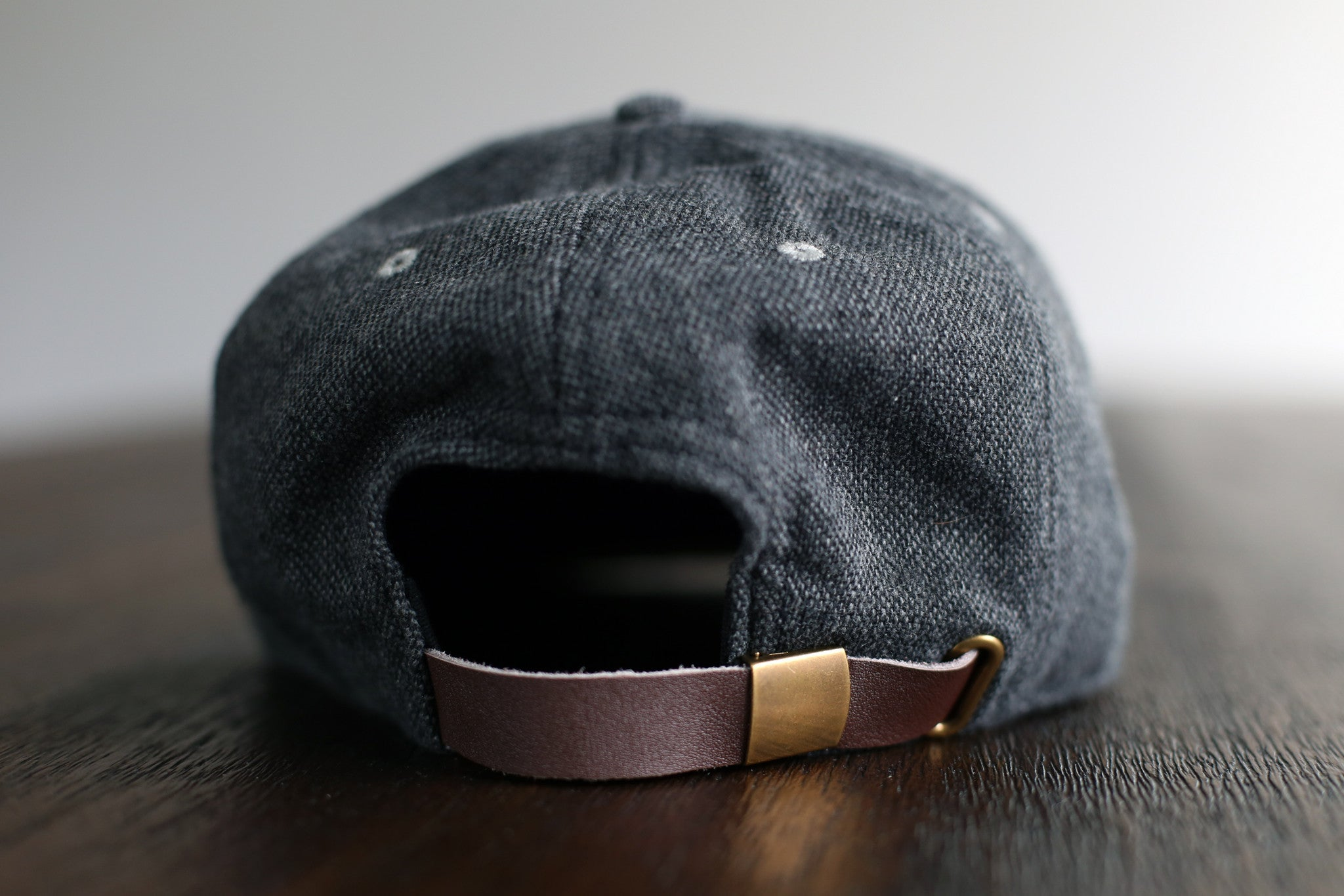 THE TWEED STRAPBACK