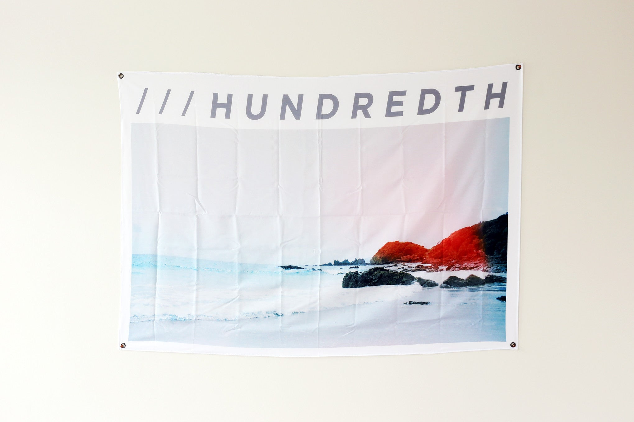 THE OCEAN WALL FLAG