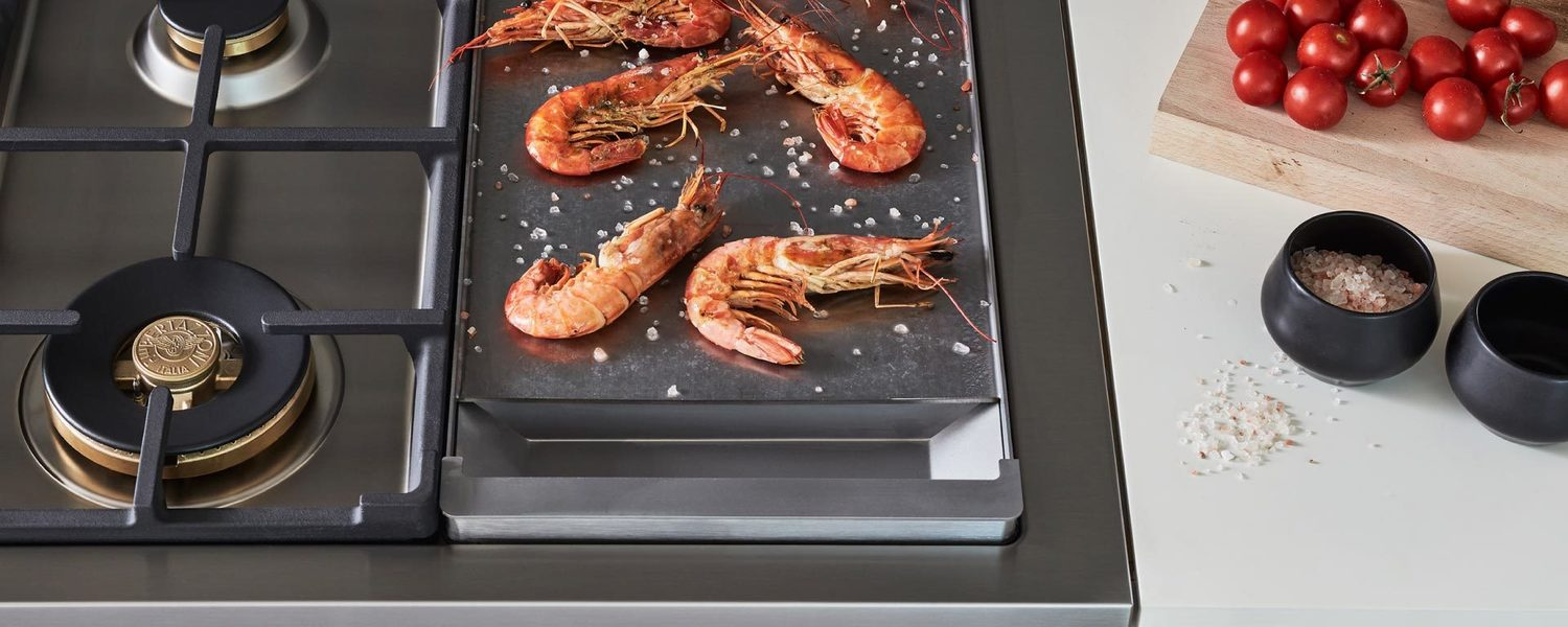 Load image into Gallery viewer, Bertazzoni PROF486GGASBIT 48 Inch All-Gas Range 6 Brass Burner And Griddle Bianco