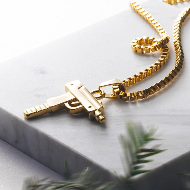 Uzi pendant & necklace