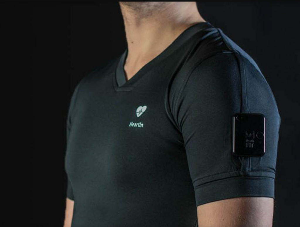 Heartin Fit Device & Black T-Shirt