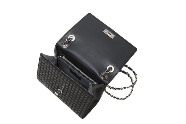 W chain shoulder Studs  Black x Black + Silver Chain
