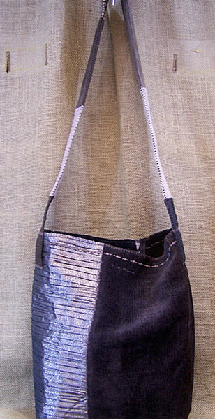 a mid-weight SAQ in slate plus and silver metallic fabric