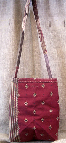 a mid-weight SAQ in burgundy and chocolate shades