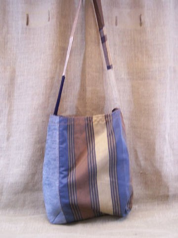 a mid-weight SAQ in blue & brown