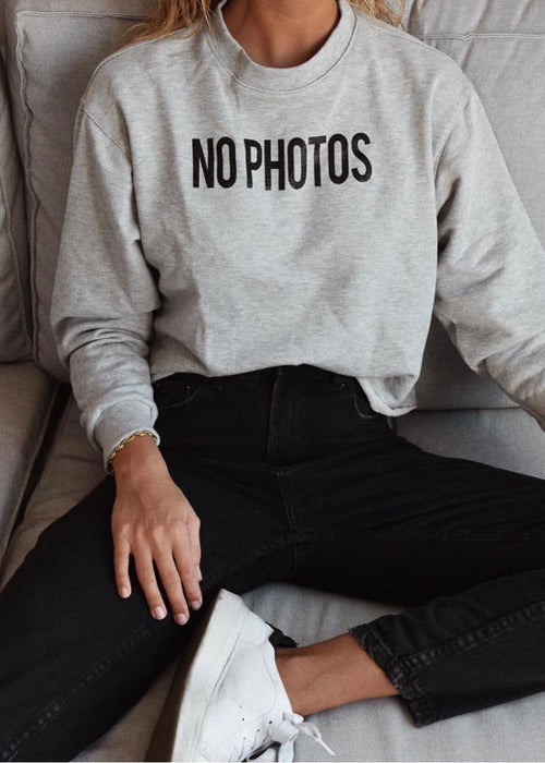 NO PHOTOS CROP SWEATSHIRT