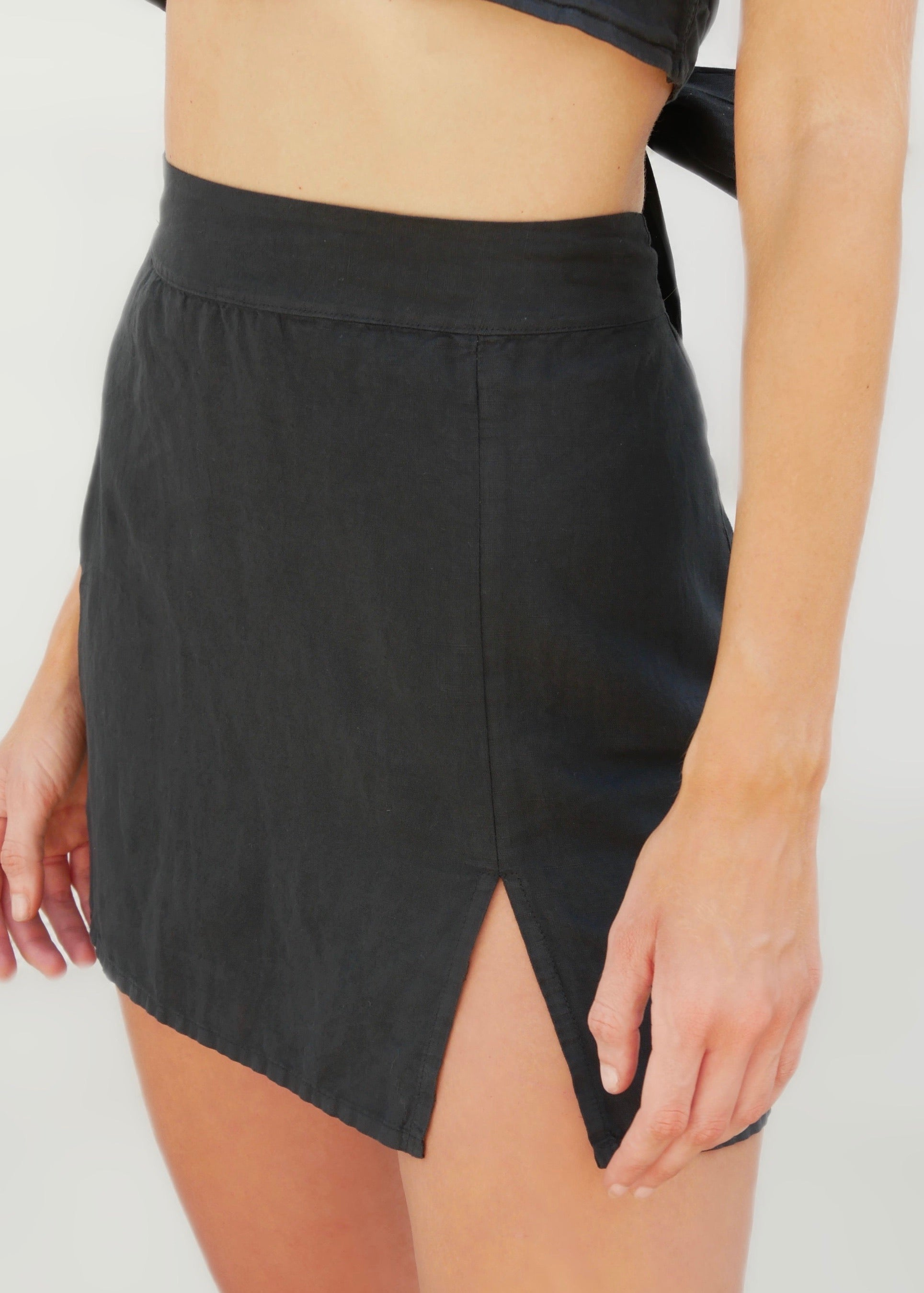 LILY BLACK MINI SKIRT