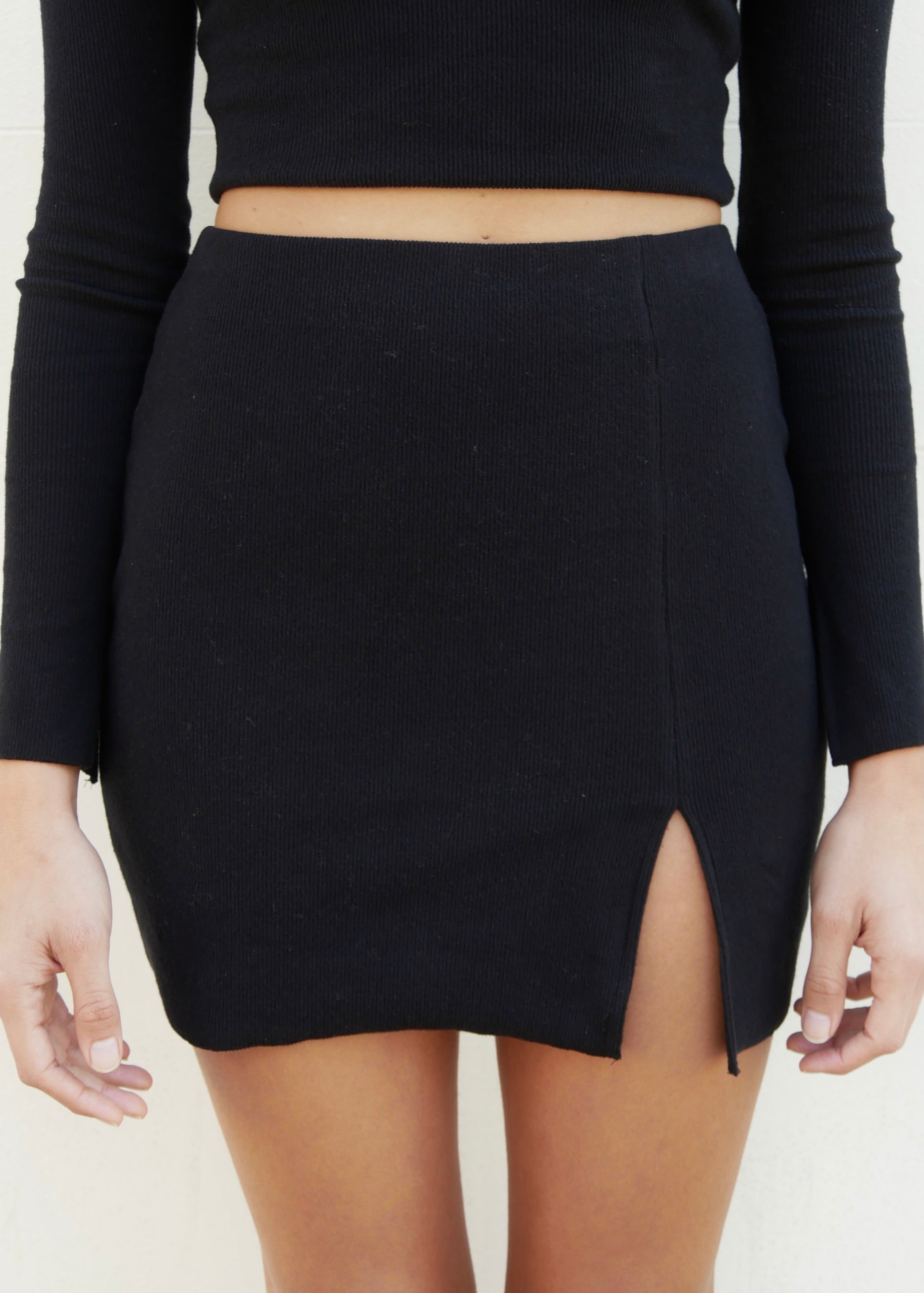 ORGANIC MINI SKIRT IN BLACK