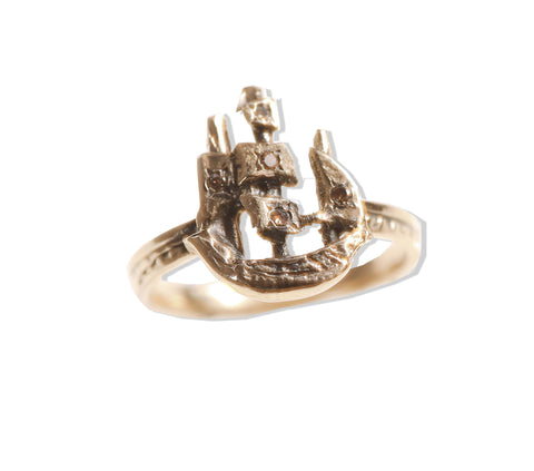 Golden Scout Ship Ring with Diamonds