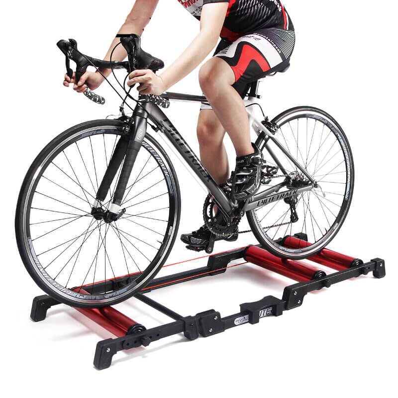 Bike trainer on rollers