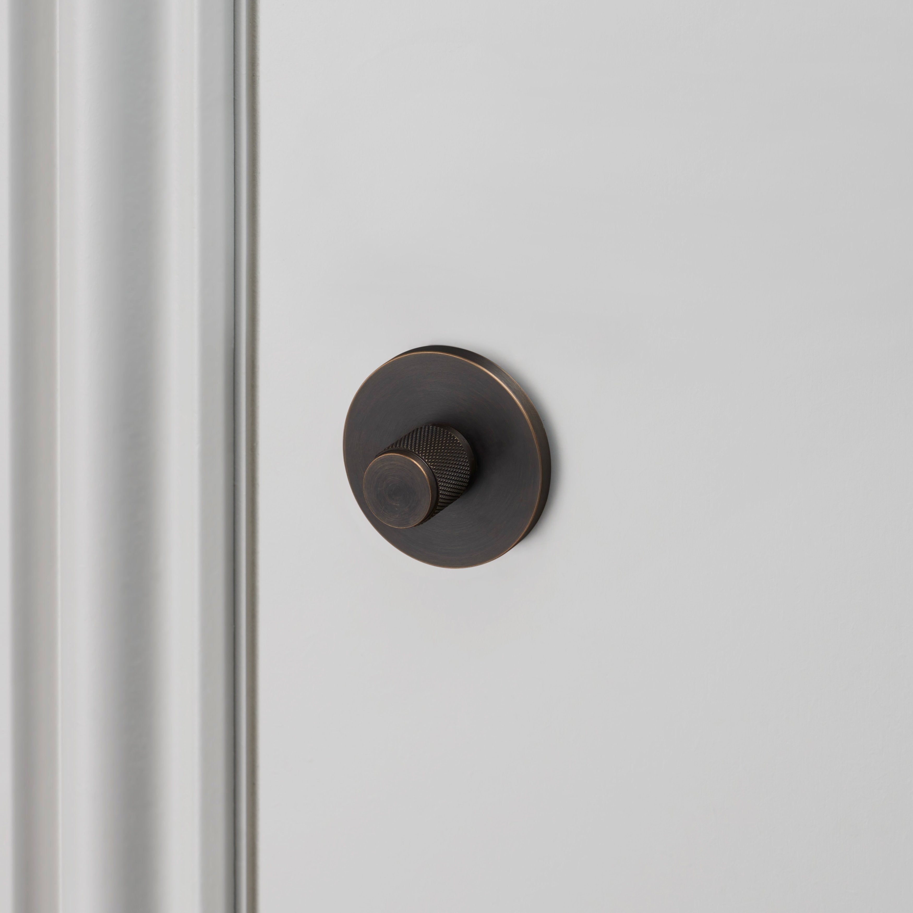 THUMBTURN LOCK / SMOKED BRONZE  - 38MM - No.42 Interiors