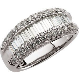 14K White 1 1/2 CTW Diamond Ring
