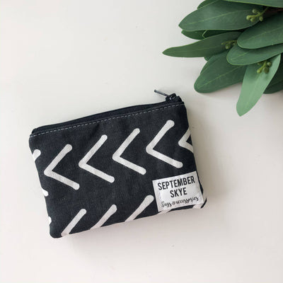 Mini coin purse in black and white arrow - Sass Beauty Lashes & Skincare