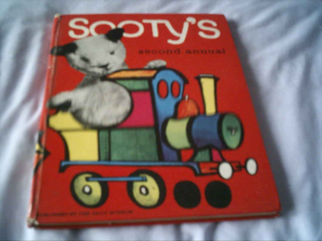 Sooty's Second Annual Childrens Tv Favourite Daily Mirror Annual [Hardcover] Sooty