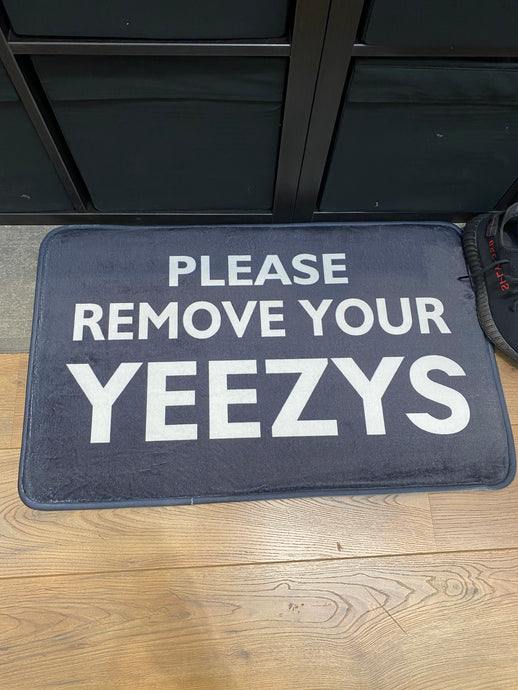 Tapis Lifestyle Please Remove your yeezys - L'oiseau moqueur