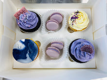 Load image into Gallery viewer, Cupcake & Macaron box - small (your choice of colour)