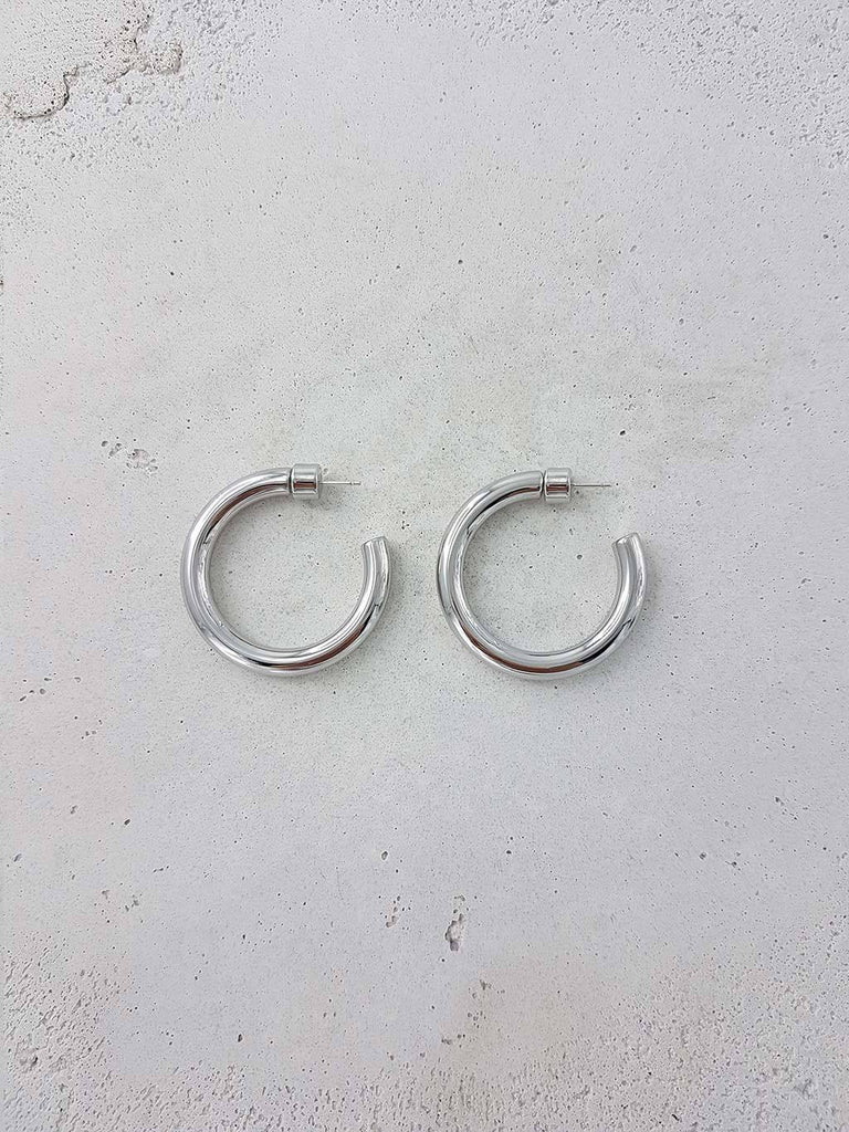 Luisa Hoops - Rhodium