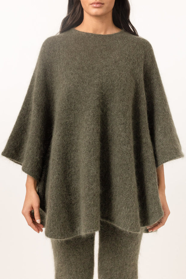 Soft Demi Curvy Poncho - Army Green